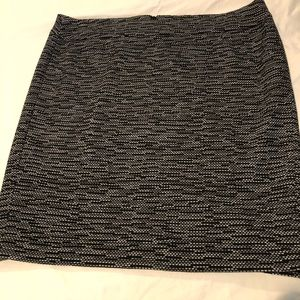 Black and White textured pencil skirt